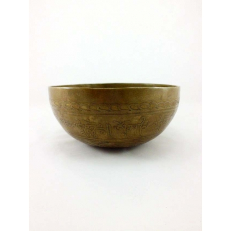 Buddha engraved singing bowl from Nepal 900-1000 gr